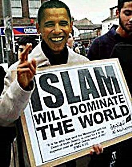 Fake photo of Barack Obama holding pro-Islam sigh